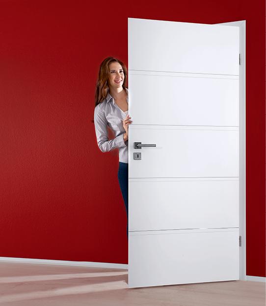 Belo lakirano notranje vratno krilo